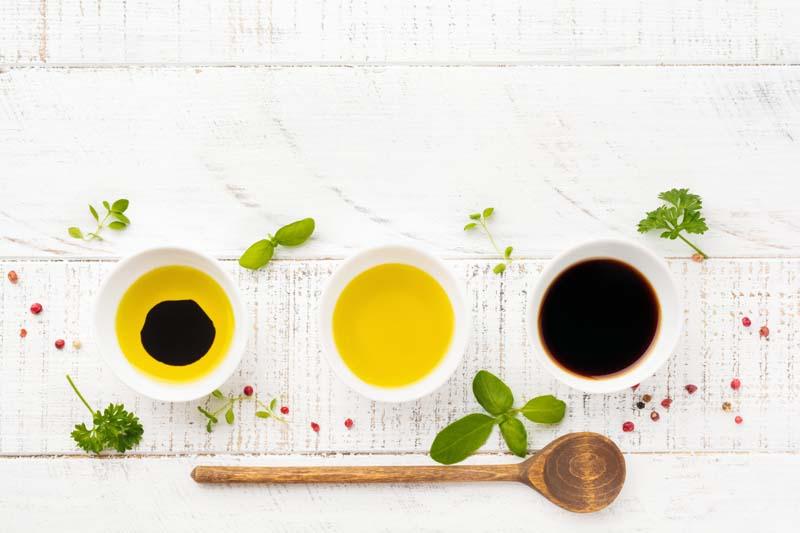 Essig, Öl und Fette
